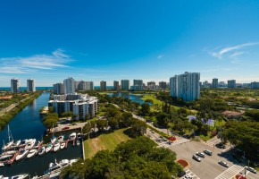 Aventura – Amazing views day and night from this remodeled & decorated 2/2